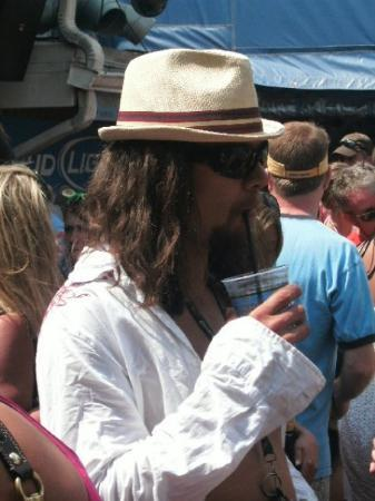 Dewey Beach, DE: IS THAT KID ROCK?