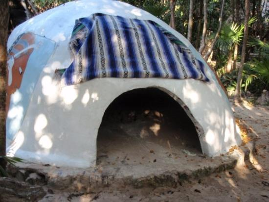Maya Spa : the temazcal hut where it was discovered Scott has the spirit of the Jaguar Warrior