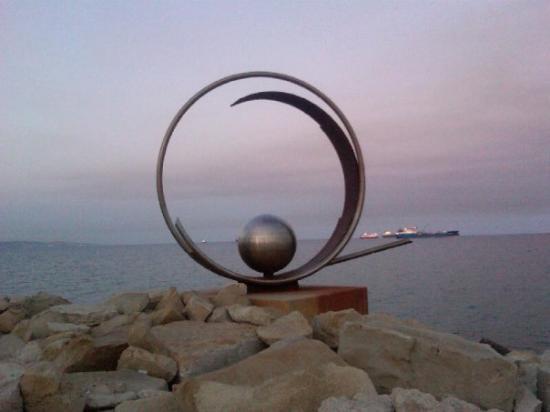 Limassol, Kypros: Cyprus beach art