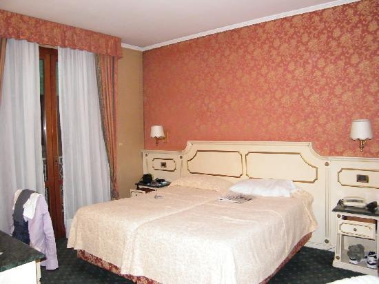 Palace Hotel Meggiorato: Camera