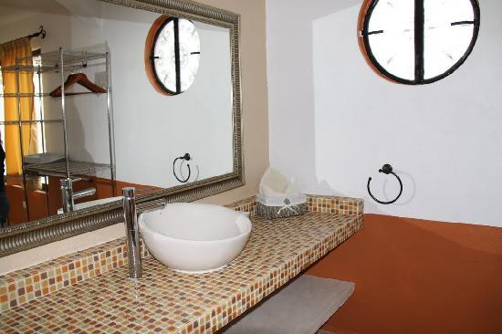 Luz En Yucatan: bathroom