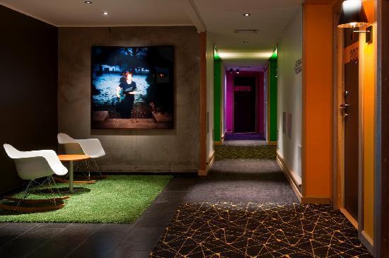 Comfort Hotel RunWay: 2nd floor corridor