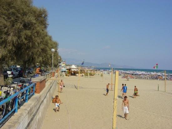 Hotel Casa Yvorio: Stranden som ligger 50 m från hotellet