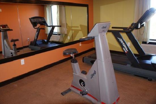 Americas Best Value Inn Crabtree Raleigh : Fitness Center