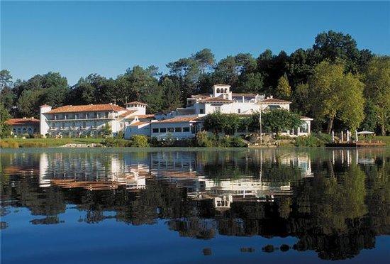 Chateau de brindos hotel anglet voir les tarifs 381 for Trouver 1 hotel