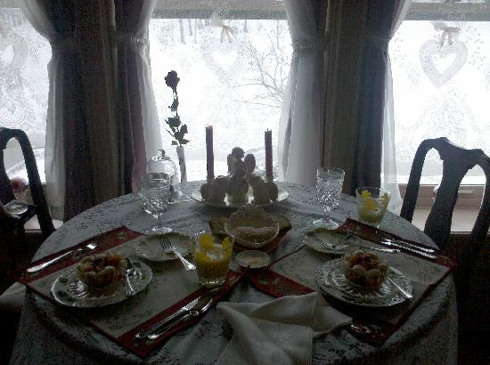 Stone Rose Bed and Breakfast: Valentines Breakfast