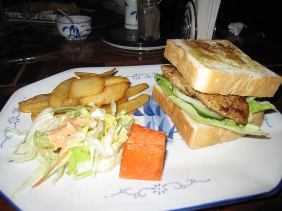 Oasis Restaurant: Grilled chicken sandwich