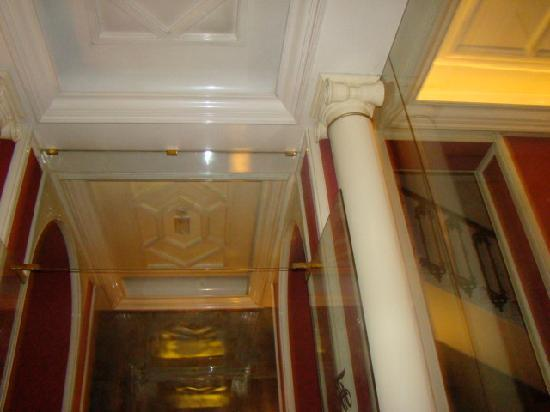Hotel Regency: Pictures in the perfect hotel