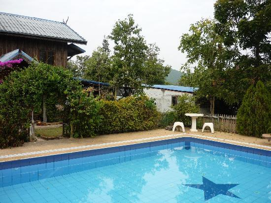 Mountain View Guest House : the hotel pool