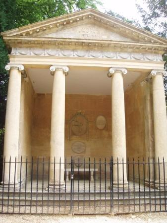 Woodstock, UK: Temple of Diana - where Winston Churchill proposed to his wife
