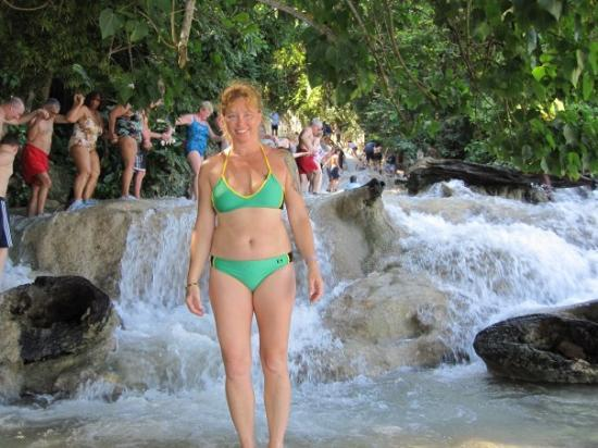 Cool Runnings Catamaran Cruises Jamaica: Dunns River Falls - At the Bottom