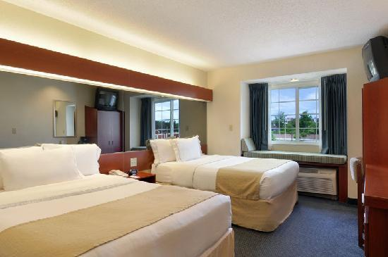 Microtel Inn & Suites by Wyndham Middletown: Double Room