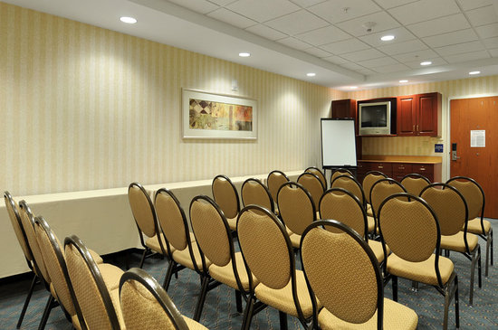 Microtel Inn & Suites by Wyndham Middletown : Conference Room