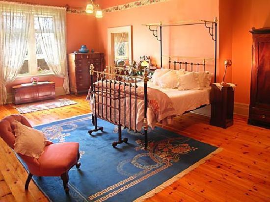 Buxton Manor: George Lowe