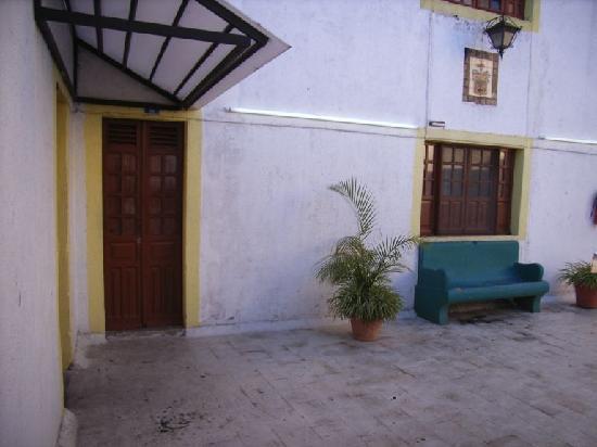 Posada San Pablo: entrance to our room