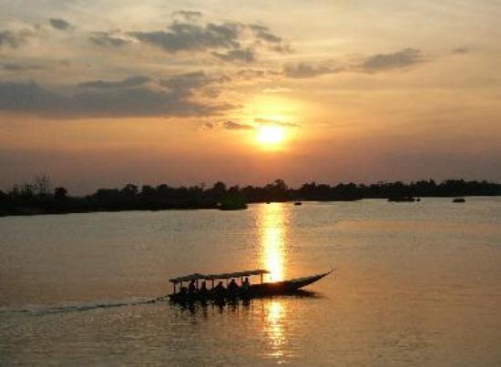 Sunset on Don Dhet
