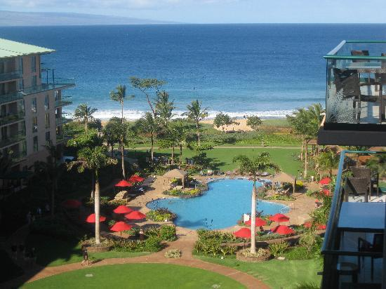 Honua Kai Resort & Spa: View from our lanai on the 8th Floor