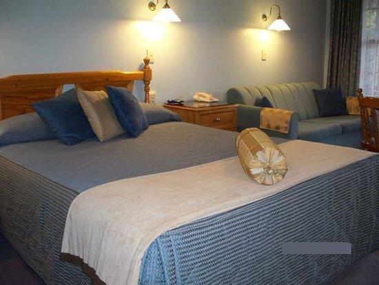 Sandstock Motor Inn bedroom