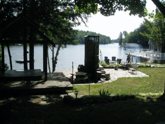 Muskoka District, Canadá: Lake Front looking out of Cottage