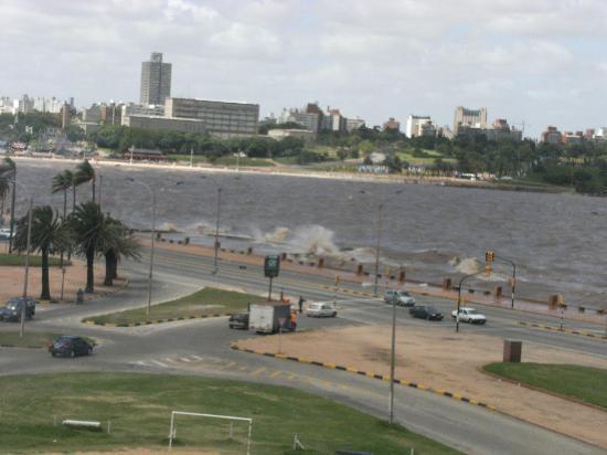 Ibis Montevideo: vue dela chambre du 5 eme étage