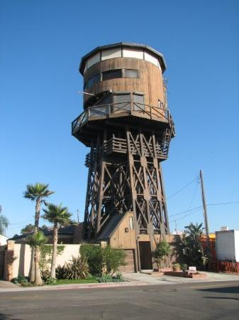 Long Beach Water Tower Now Converted Into An Apartment