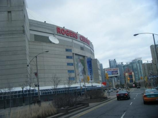 Rogers Centre - Downtown Toronto Canada (04-04-09) (2)