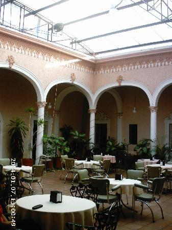 Valle de Santiago, Mexique : Canopied Courtyard Dining area
