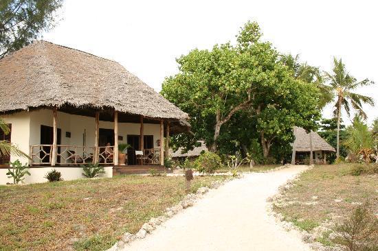 Einer der 4 Bungalows in dem großen Garten des Anna of Zanzibar