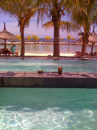 InterContinental Mauritius Resort Balaclava Fort: Taken from he Jacuzzi