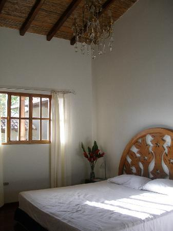 Miss Margrit's Guest House: Lovely and Elegant Rooms