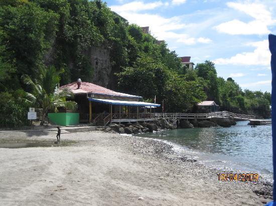 Ti Kaye Resort & Spa: The beach bar.