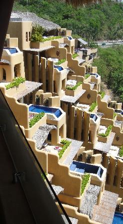 Cala de Mar Resort & Spa Ixtapa: A view from our balcony
