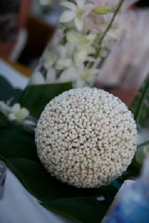 Kanok Buri Resort : crown flower balls