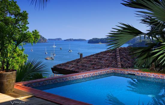 Seagull Cove Resort : Pool side luxury