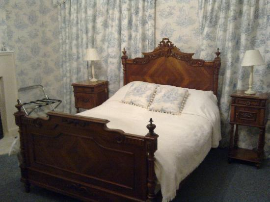 The Old Parsonage: One of the Bedrooms