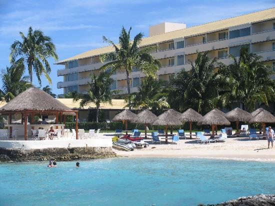 Presidente Inter-Continental Cozumel Resort & Spa : middle beach, can walk right in