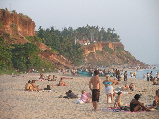 Deshadan Cliff & Beach Resort: Varkala beach at sunset, January 2010