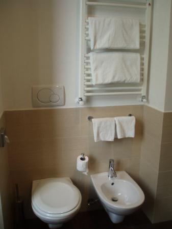 Hotel Re di Roma: baño 2