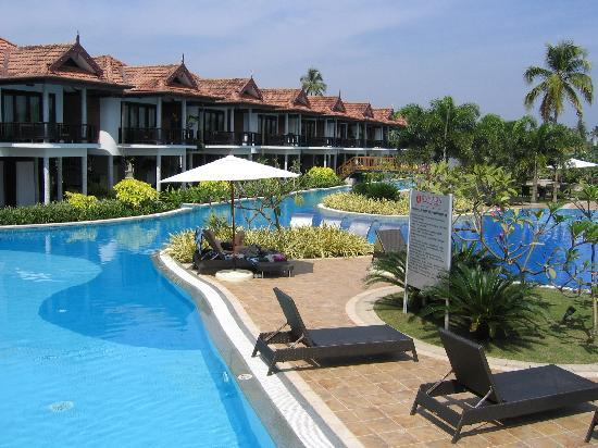 Pool Area Picture Of Ramada Resort Cochin Kumbalam Tripadvisor