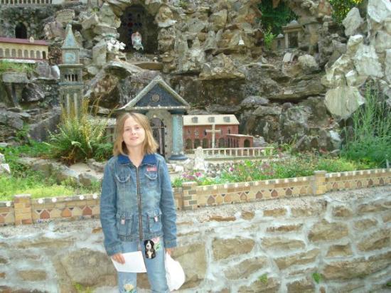 Gardendale, AL : Ava Maria Grotto located in Cullman, Al