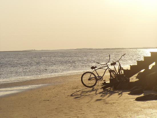 Ocean Lodge : Romantic walk on the beach