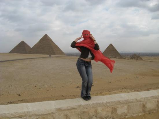 Gizeh, Ägypten: Near Giza pyramids, EG.