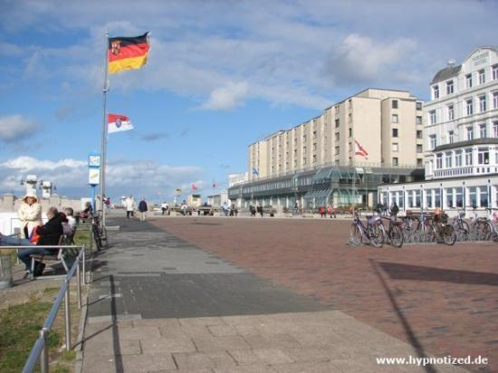 Borkum Germany  city images : Borkum, Germany: Die Promenade