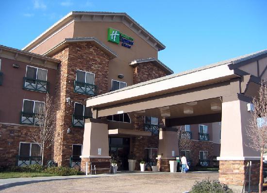 Holiday Inn Express Tehachapi Hwy 58 / Mill Street: Tehachapi  Entrance
