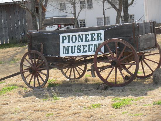 Fredericksburg, TX: pioneer museum
