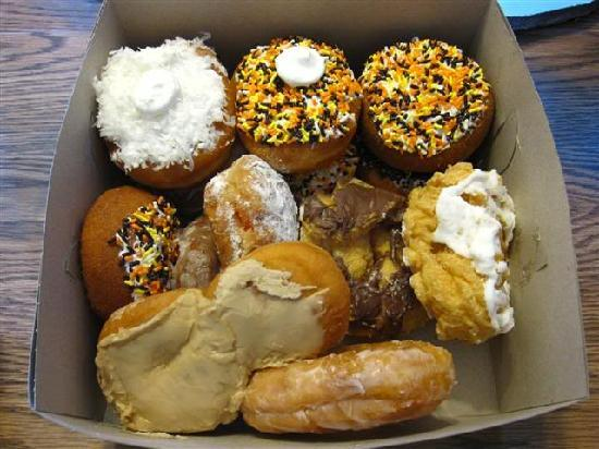 Becker's Donuts and Bakery: Some of the *Best* doughnuts!
