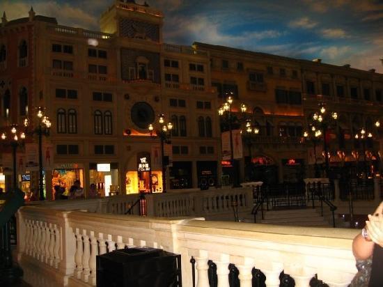 The Venetian Macao Resort Hotel: inside the Venetian