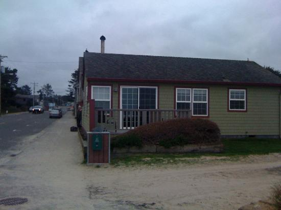 "Ocean Inn at Manzanita: View you won't see on the website.  Bear in mind that ""main"" street is very quiet."