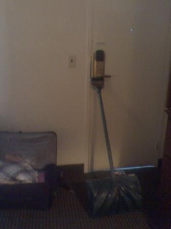 Inn at Monticello: shovel propped up to secure door