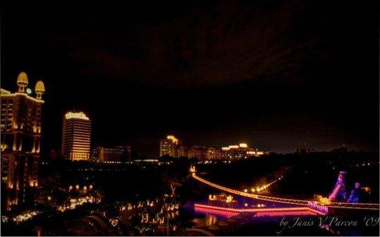 Sunway Lagoon Theme Park : Sunway lagoon at night